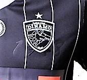 tricou_negru_joc_1.jpg